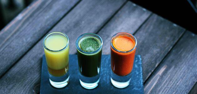 Napravite najbolju čašu cijeđenog prirodnog soka