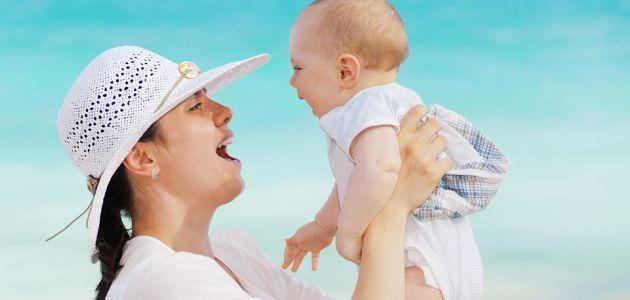 Bijela naslaga na djetetovu jeziku