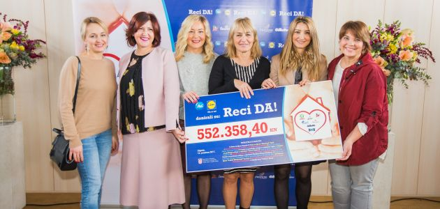 Donacija u humanitarnoj kampanji Reci DA!
