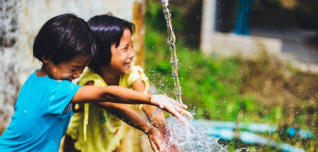 Roditelji, učite li svoju djecu da piju vodu direktno iz slavine?