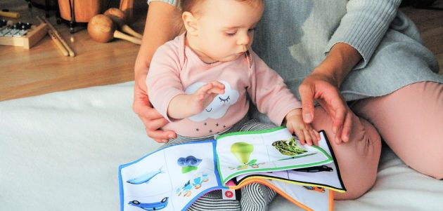 Beba i slikovnice: što, kada i kako?