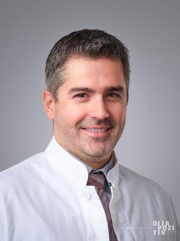 Doc. dr. sc. Krešimir Martić specijalist plastične rekonstrukcijske i estetske kirurgije
