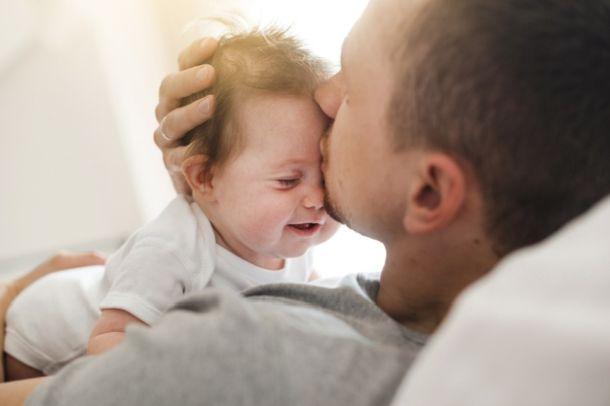 beba i pelen pampers puzanje bebe