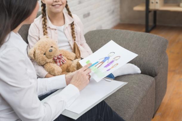 dijete dijeca i lijecnik pedijatar