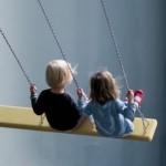 djeca dijete igranje ljuljanje