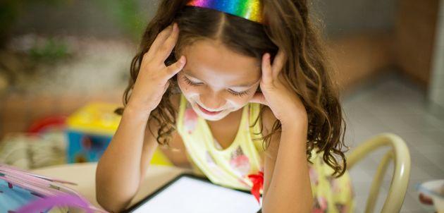 Nije rješenje potpuno zabraniti djeci upotrebu mobilnih telefona i interneta