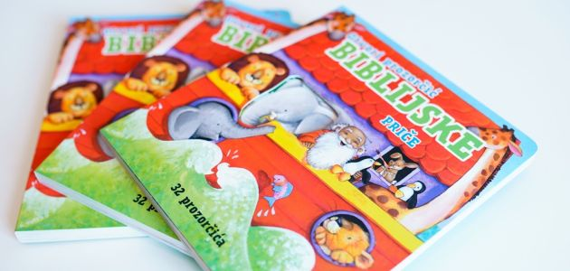 Vesela i interaktivna blagdanska knjiga