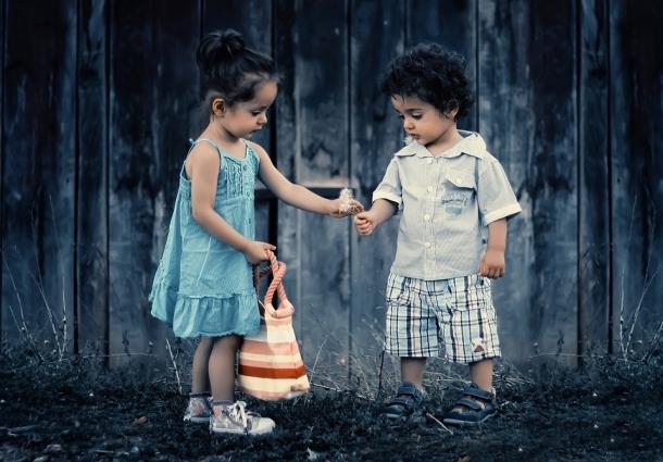 Bez uvijanja, različito tretiramo dječake i djevojčice