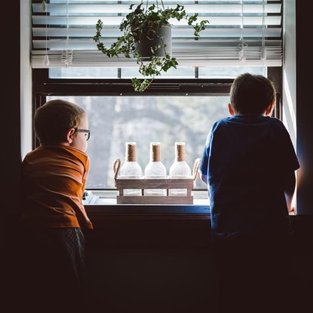 djecaci igranje kod kuce