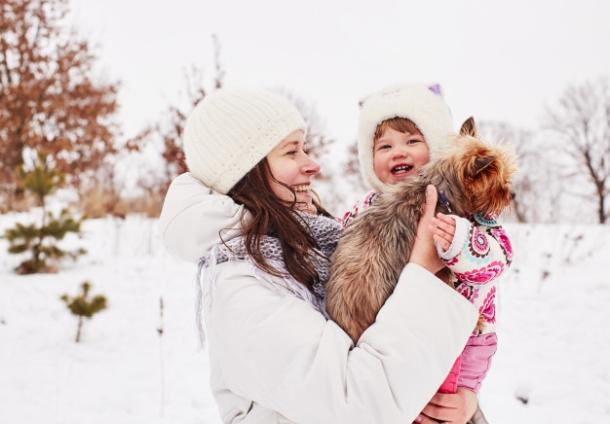 djeca i bebe na snijegu