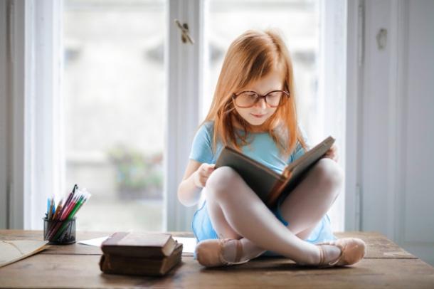 djeca i knjige i citanje