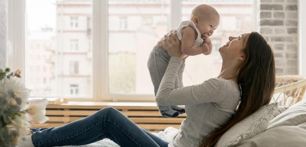 beba stucanje bebe