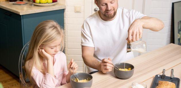 Zdrava navika zajedničkog doručkovanja cijele obitelji