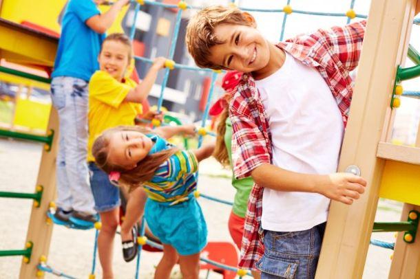 djeca u vrticu i skoli