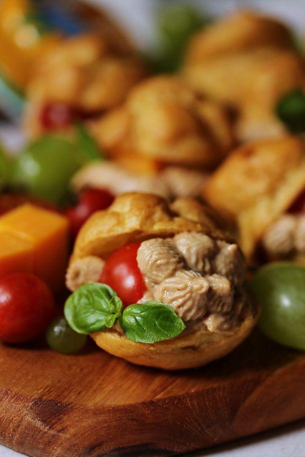 sareni gougères s Argeta Junior paštetom